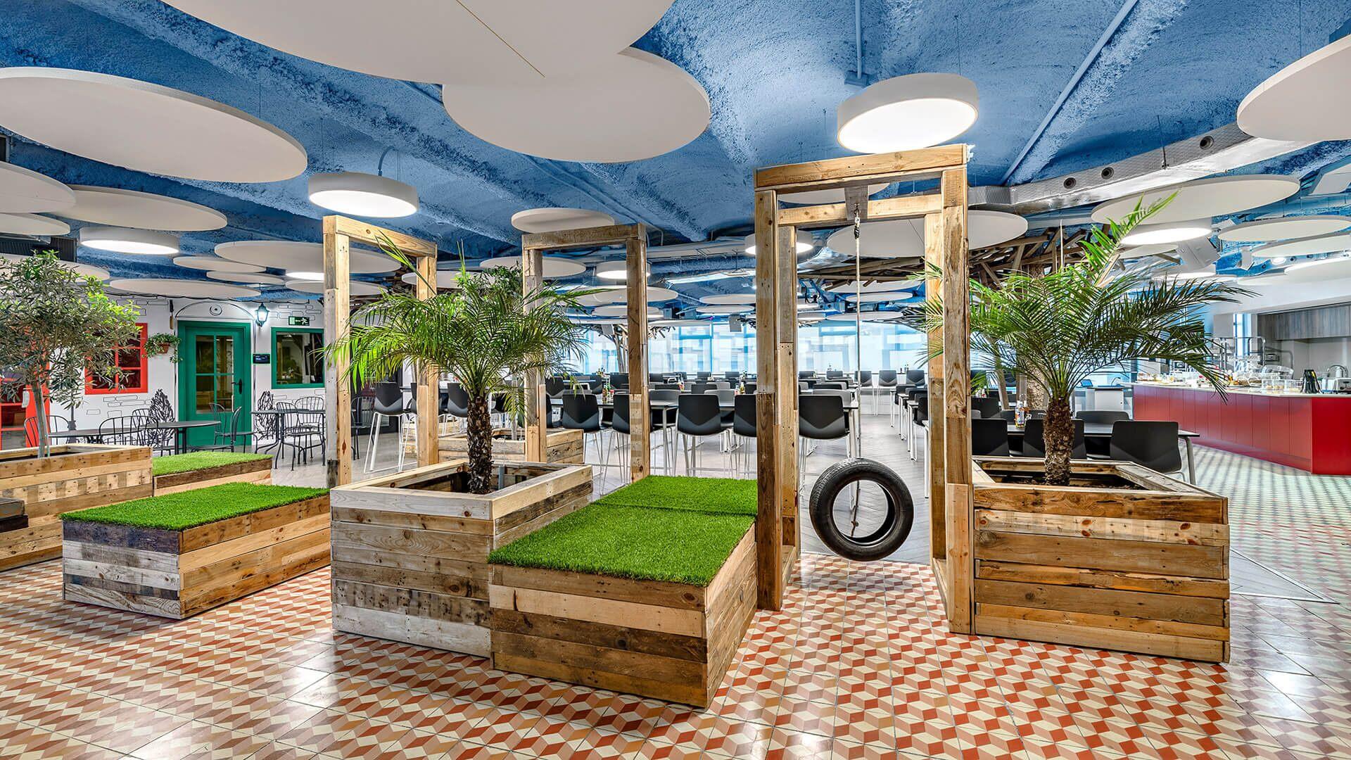 Um espaço divertido para promover a colaboração nos escritórios do King's em Barcelona, Espanha.