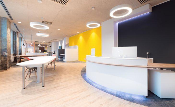 Diseño y construcción de una nueva zona de recepción